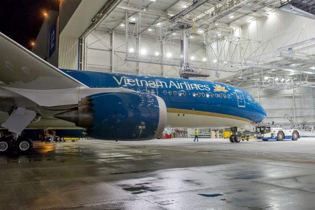 Vietnam Airlines 787-9 paint job