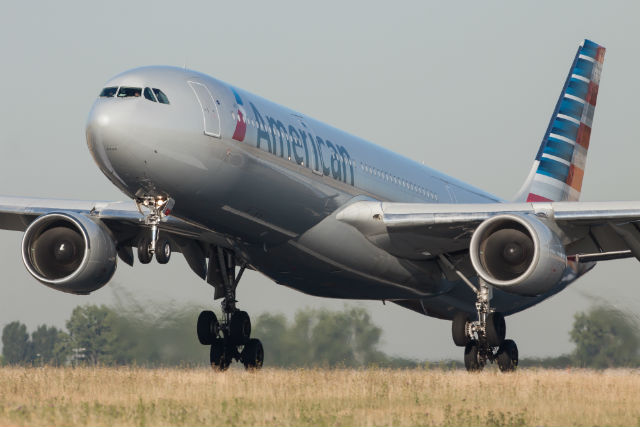 AA A330 c AirTeamImages