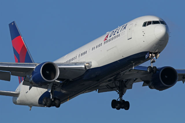 Delta 767-332ER c AirTeamImages