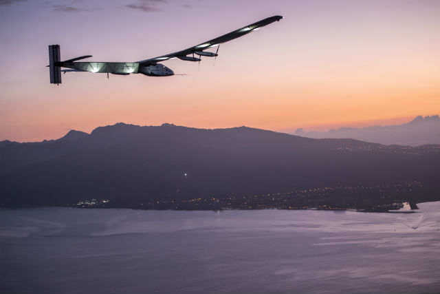 solar impulse approaches hawaii