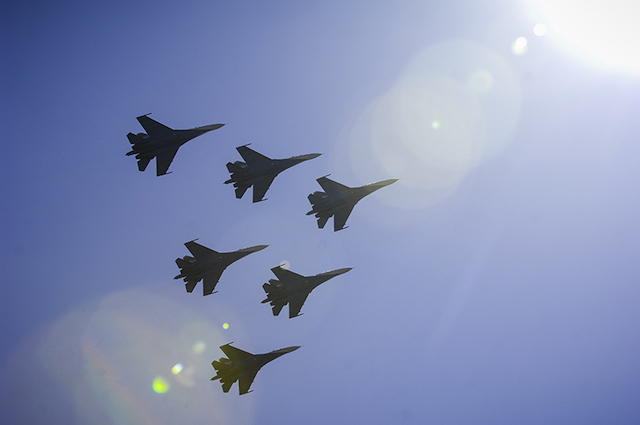 Flanker formation flight MAKS