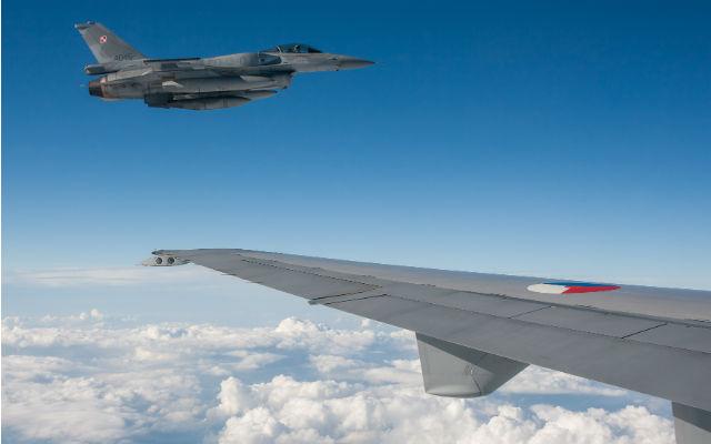 Polish F-16 and Dutch KDC-10 - Anno Gravemaker