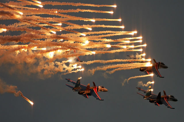 Russian Knights Tkachenko tribute flight Mishin c