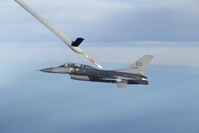 KC-30A F-16