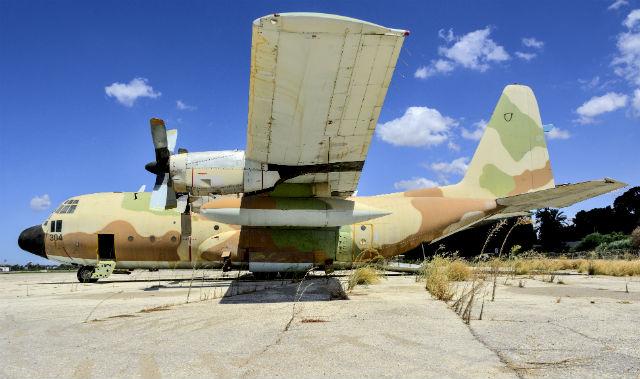 Surplus Israeli C-130E - AirTeamImages