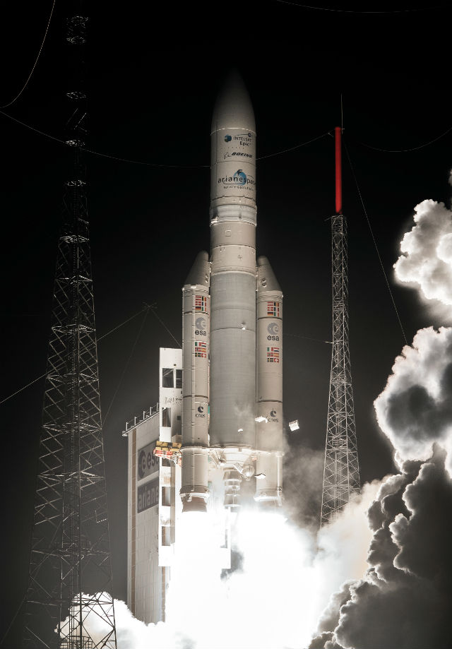 Ariane 5 VA228 Intelsat 29e January 27 2016 croppe