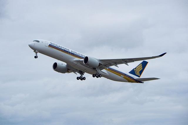 SIA A350-900 first flight