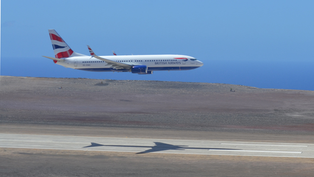 Comair 737 St Helena Airport
