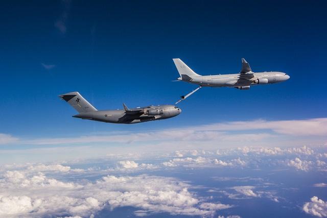 RAAF KC-30 refuels C-17