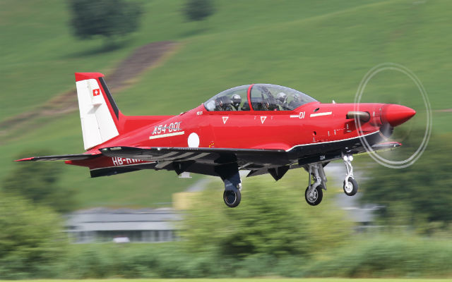 Australian PC-21 first flight - Pilatus