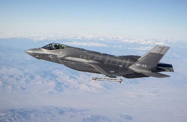F-35 AIM-9X 640