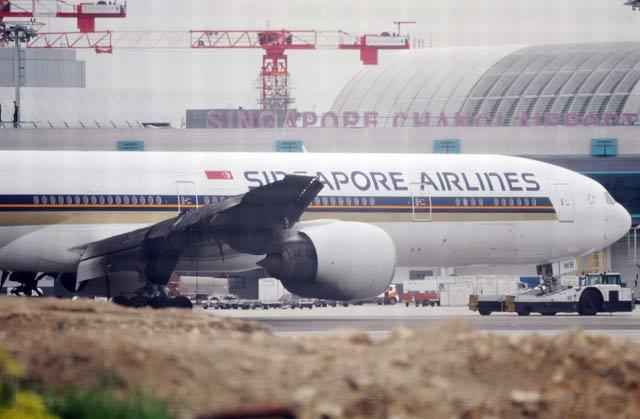 SIA 777 wing fire