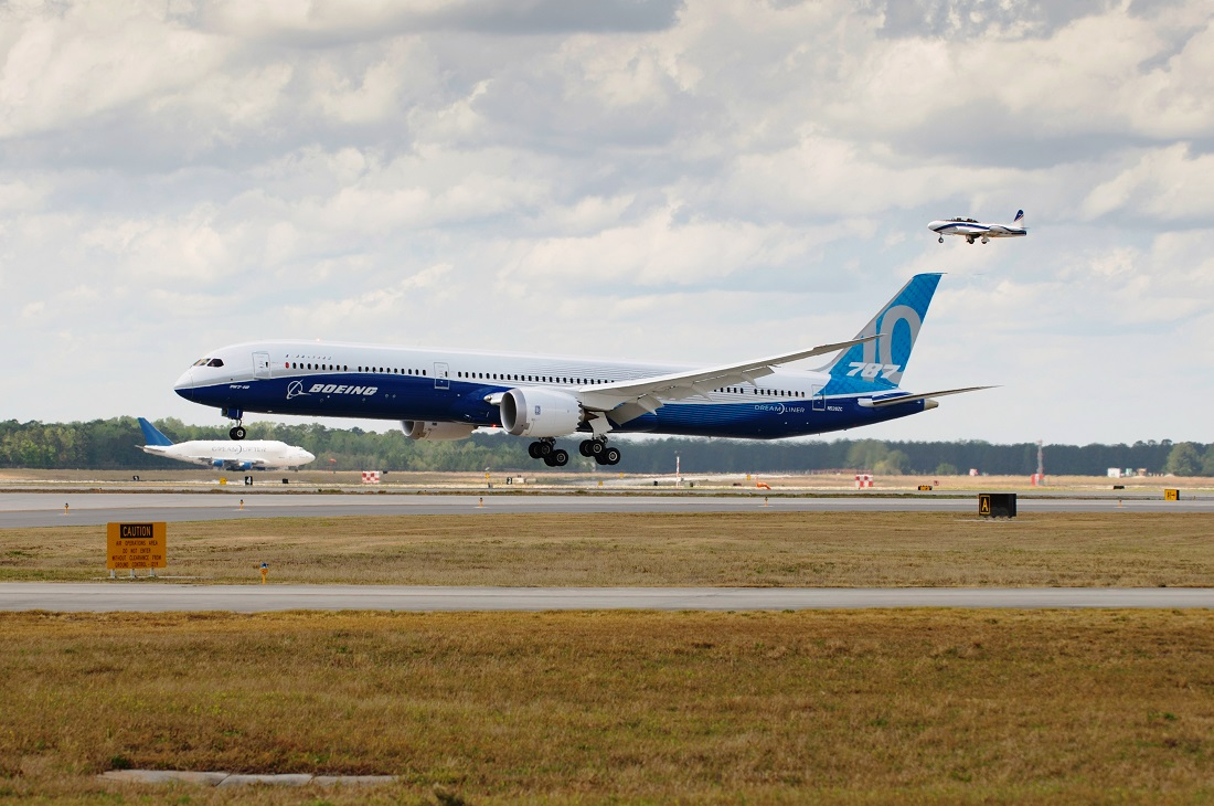 B787-10 first flight 3 Boeing