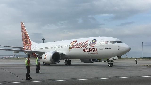 737 Max Batik