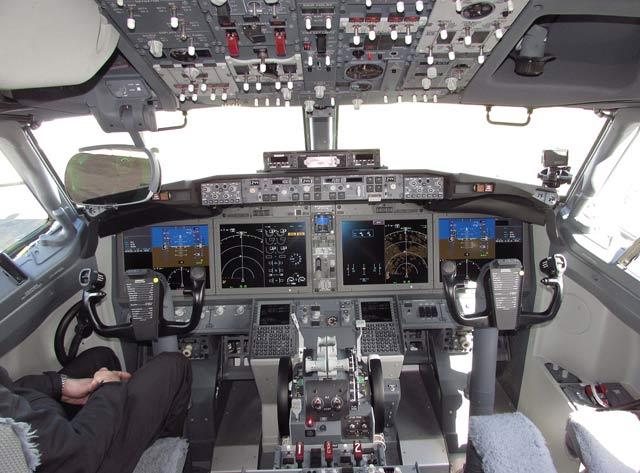 737 Max cockpit