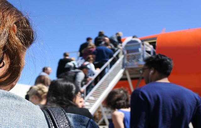 Aircraft boarding queue