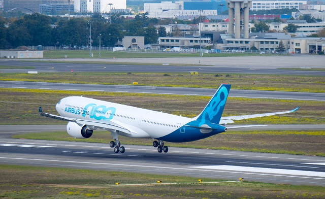 A330neo landing Airbus