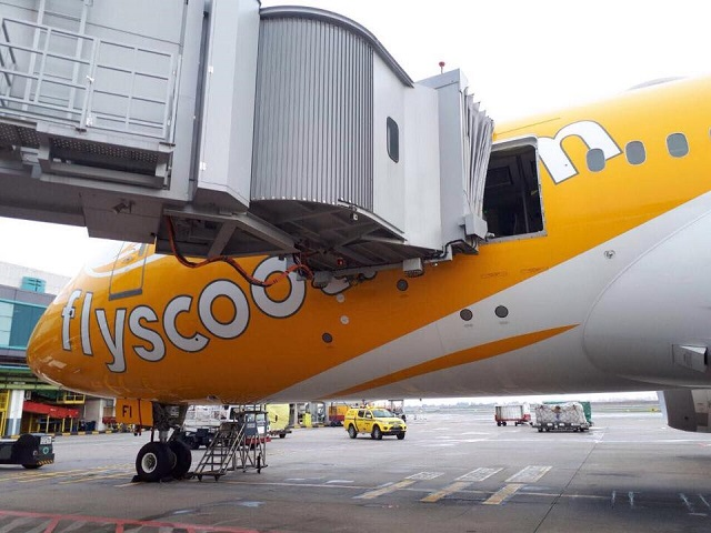 Scoot 787 door ripped