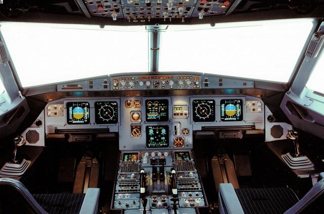 a320-flghtdeck-c-airbus-640