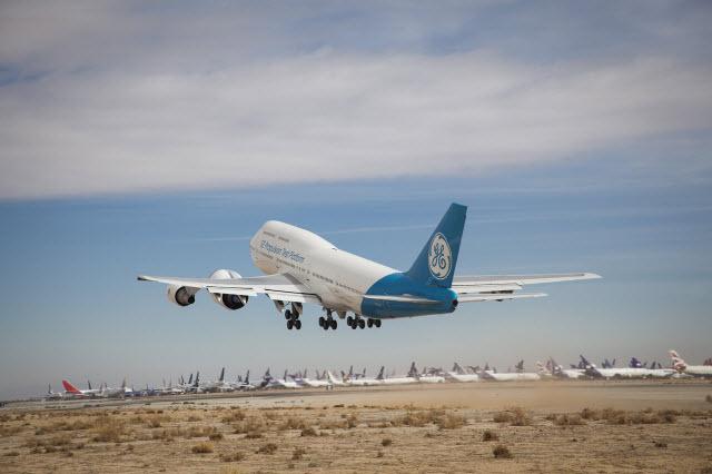 GE9X Takeoff