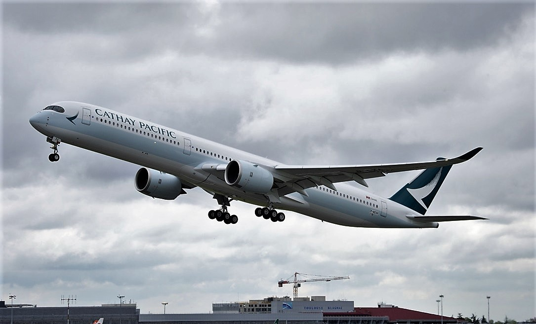 Cathay A350-1000 first flight