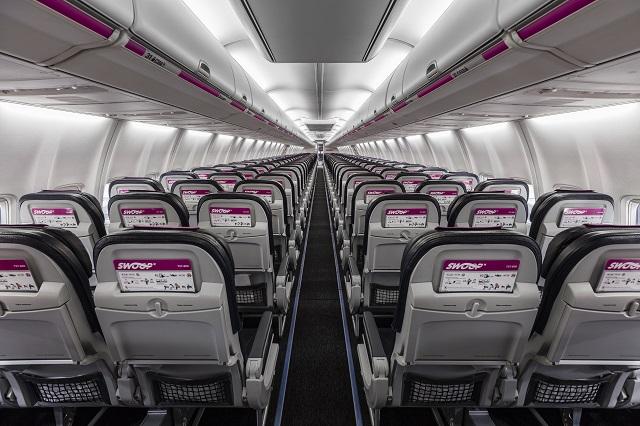 Swoop 737-800 interior-2 640px.