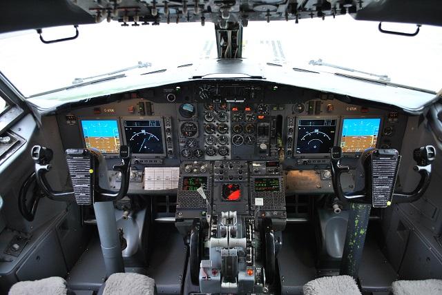 Nolinor 737-200 cockpit upgrade. 640px