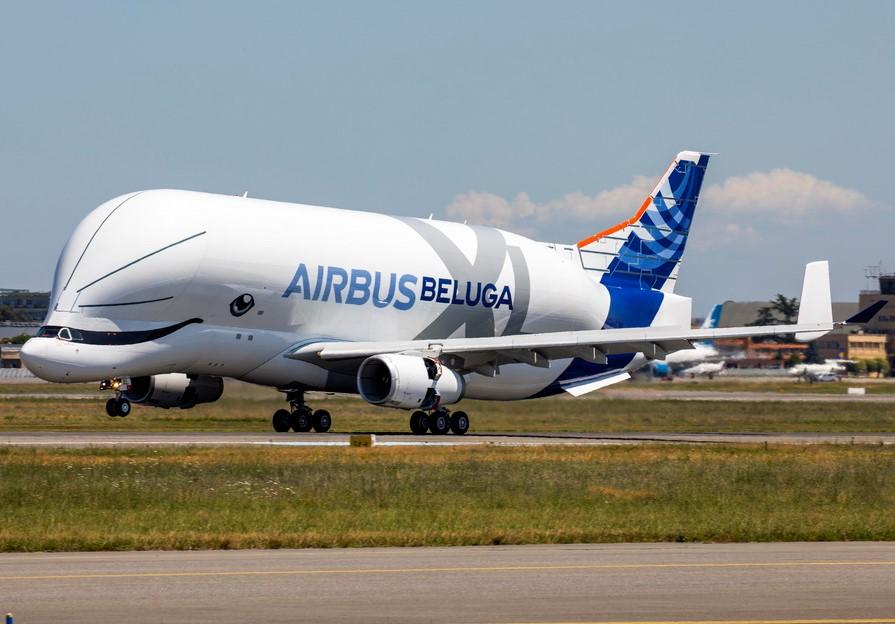 BelugaXL first landing