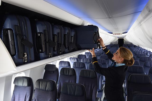 Copa 737 Max 9 overhead bins