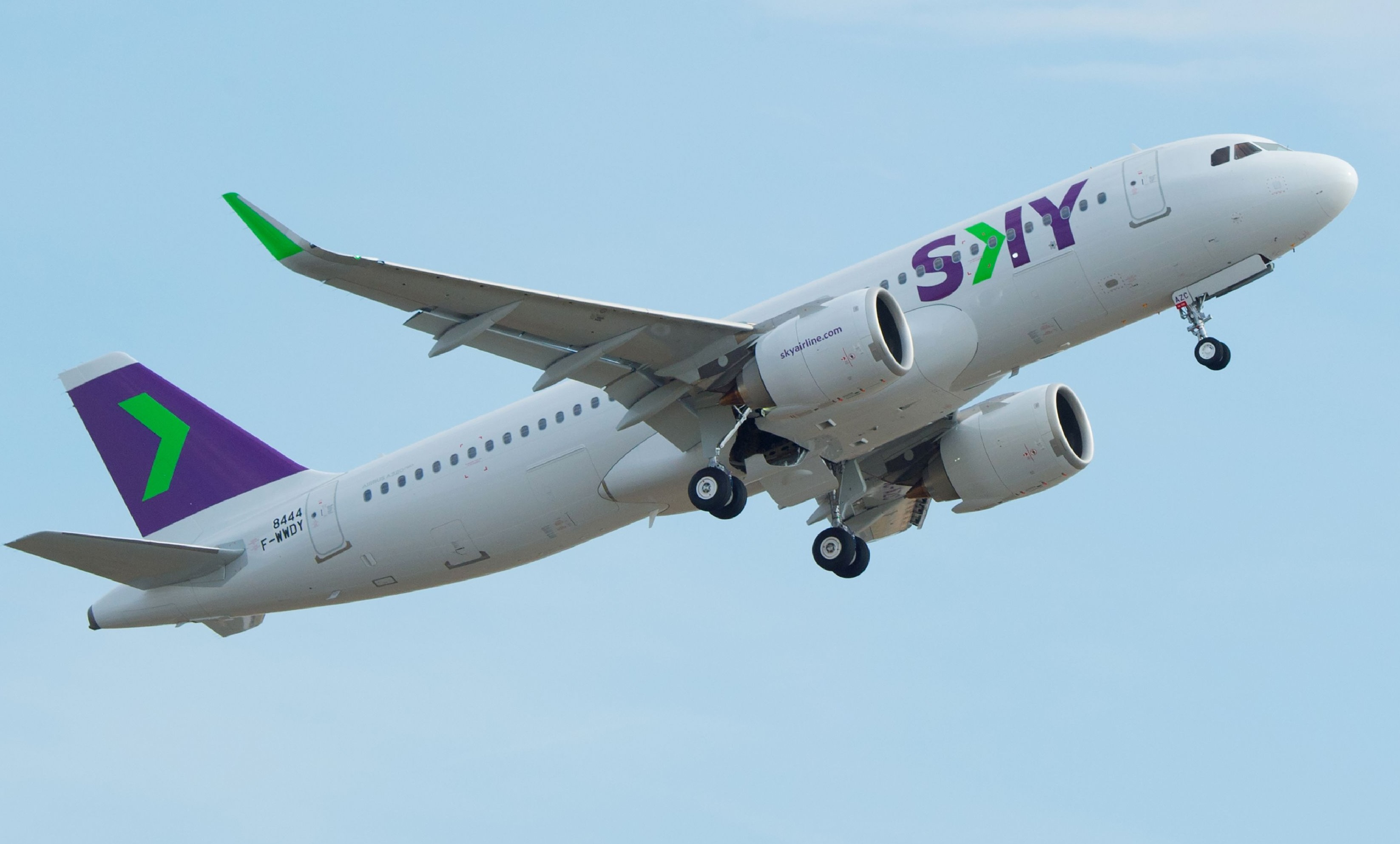 Sky Airline A320neo