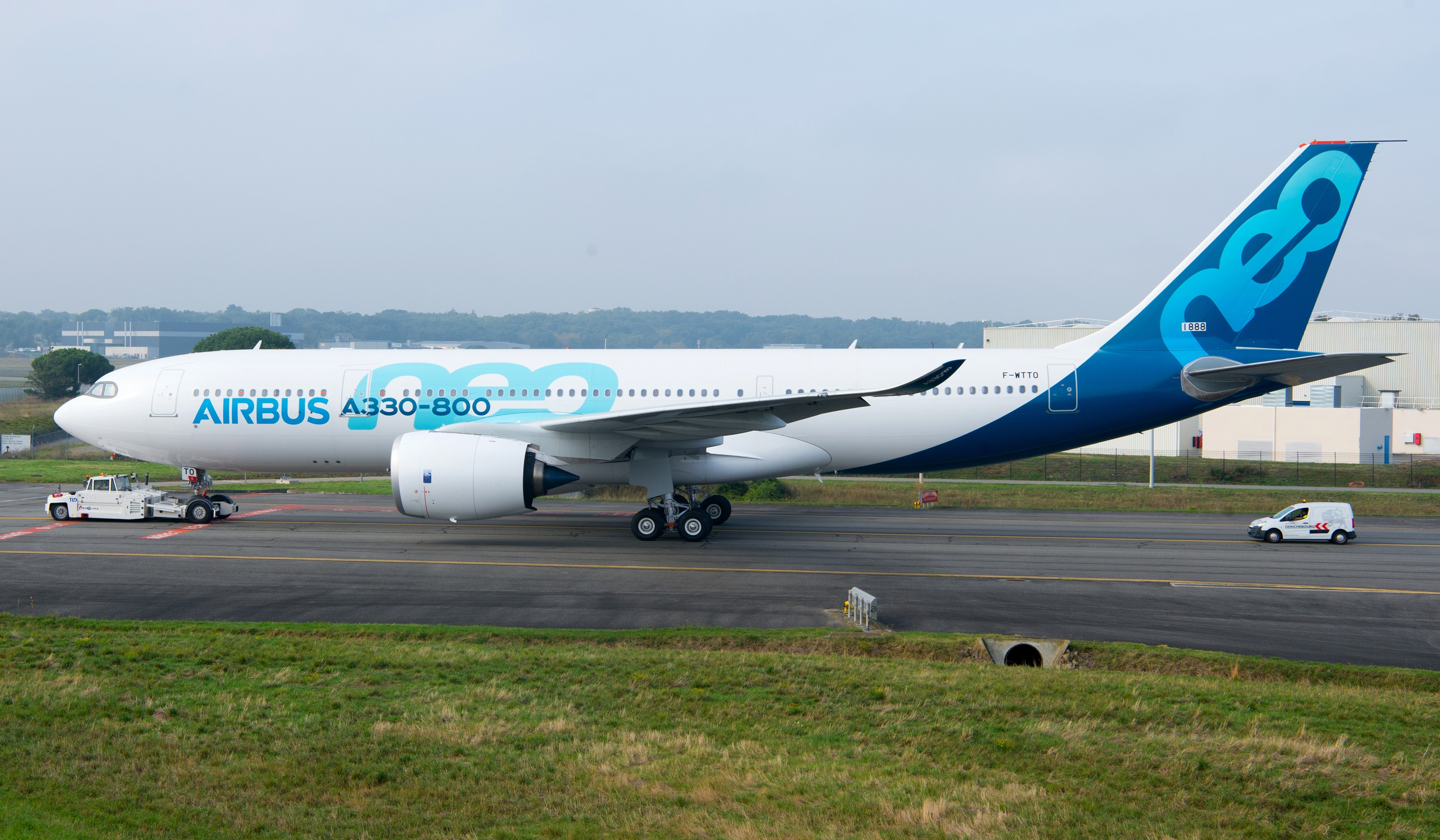 A330-800 roll out