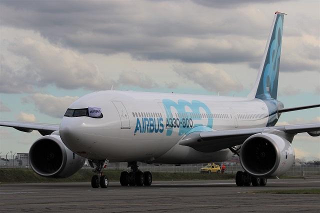 A330-800 first flight landing 2