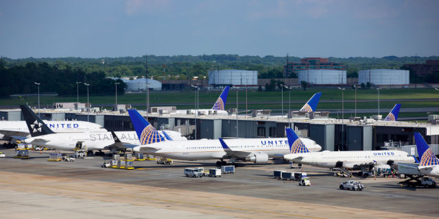 United tails Dulles