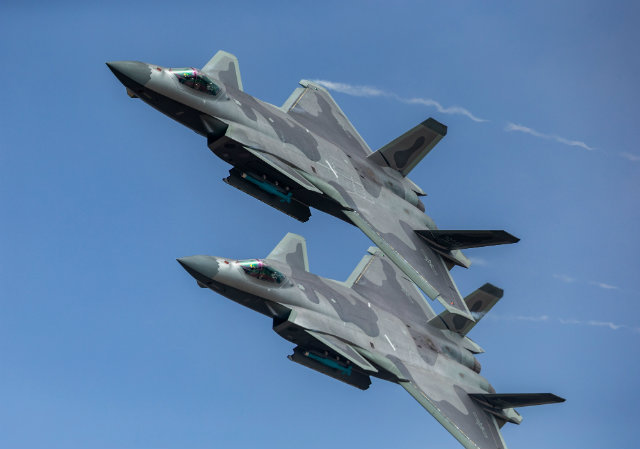 J-20 pair c Imaginechina/Rex/Shutterstock 640