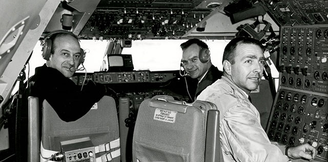 B747-first-flight-crew 640-c-Boeing l-r Jack Wadde