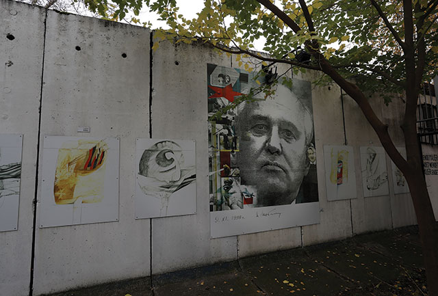 BERLIN WALL c Felipe Trueba EPA-EFE REX Shuttersto
