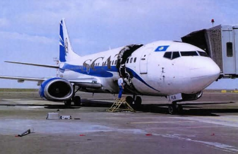 SCAT 737 LY-FLB