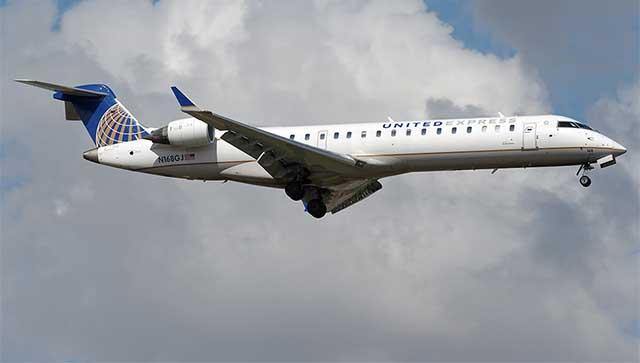 United Express CRJ700