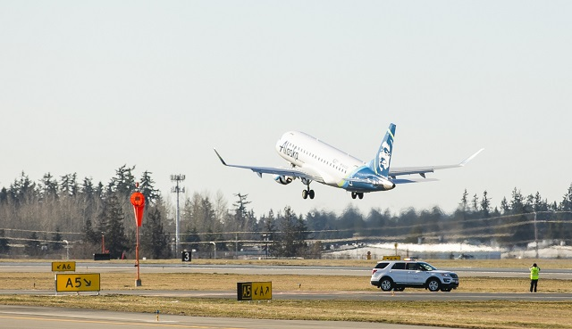 Alaska Airlines Paine Field 1