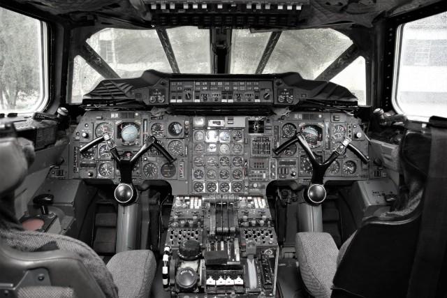 concorde cockpit c Max Kingsley-Jones + FlightGlob