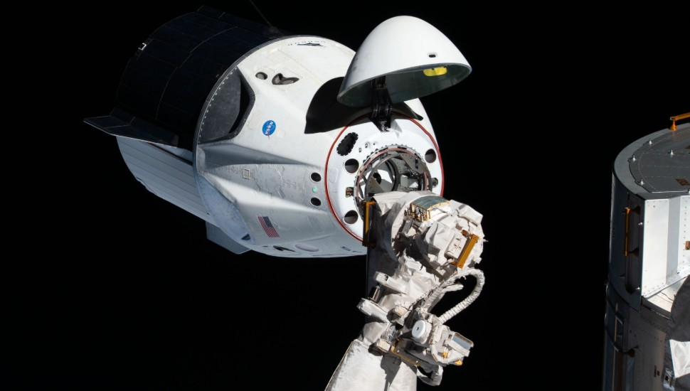 Crew Dragon Demo-1 docking 970x550 c NASA