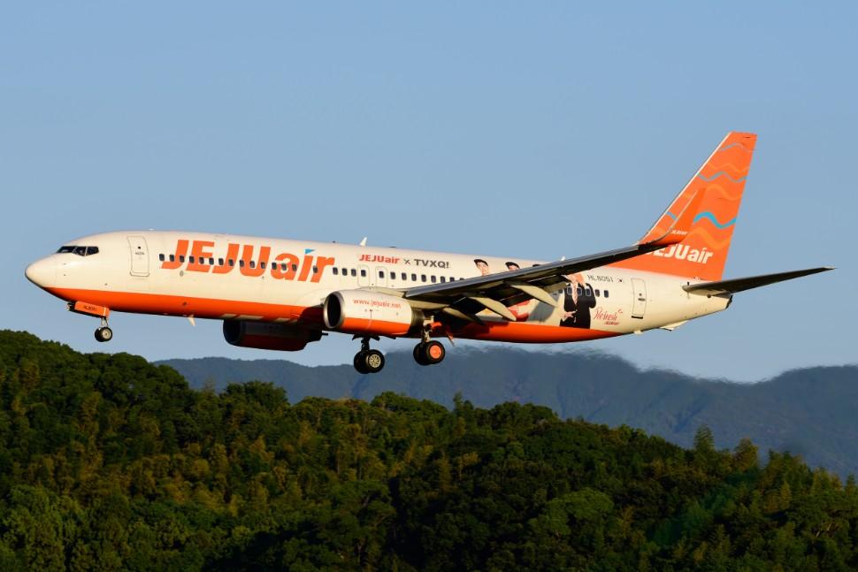 Jeju Air 737-800 c AirTeamImages 290389