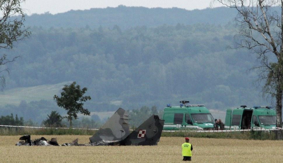Polish MiG-29 crash - Tomasz Waszczuk/EPA-EFE/REX/