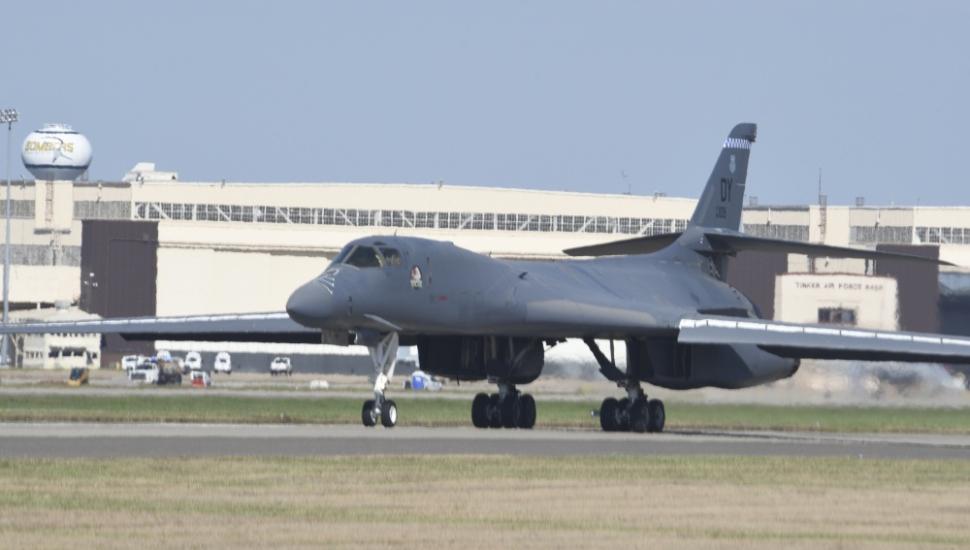 Rockwell B-1B bomber