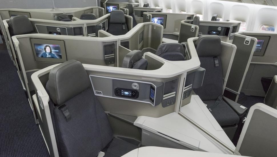 AA business 777-200