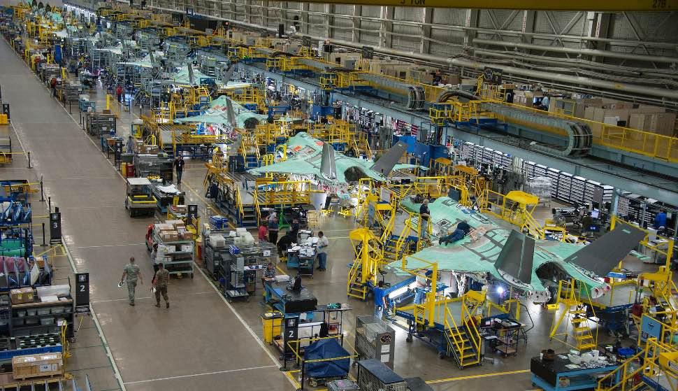 F-35 assembly line - Lockheed Martin
