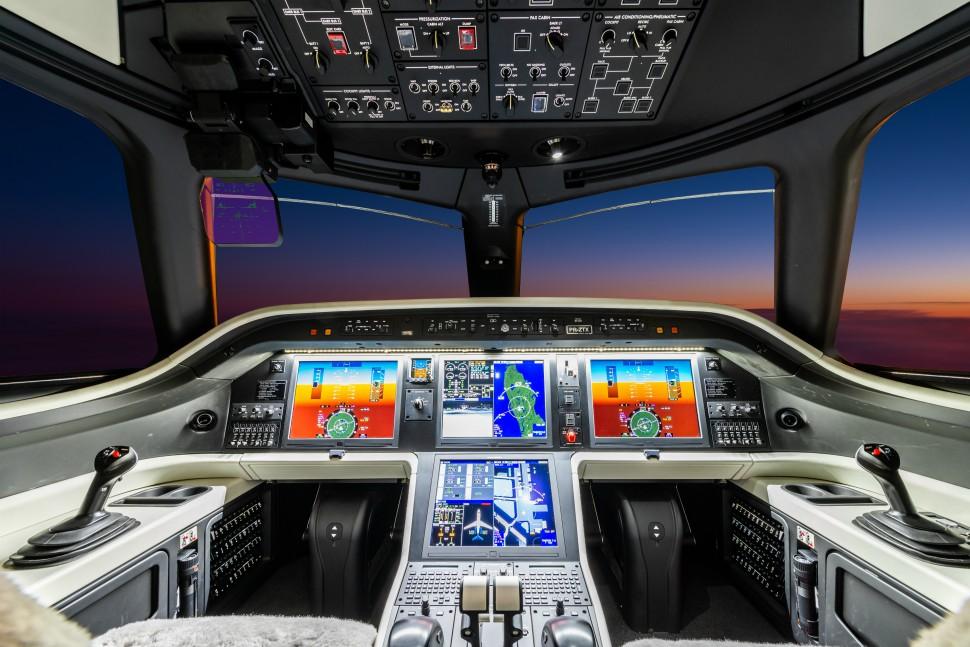 Praetor 600 cockpit. Embraer.