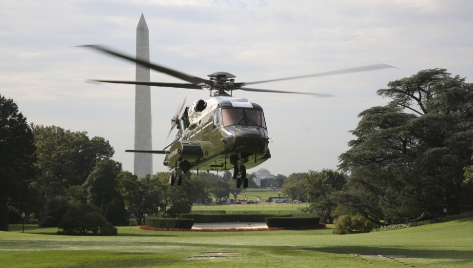 VH-92A Landing on White House South Lawn 2