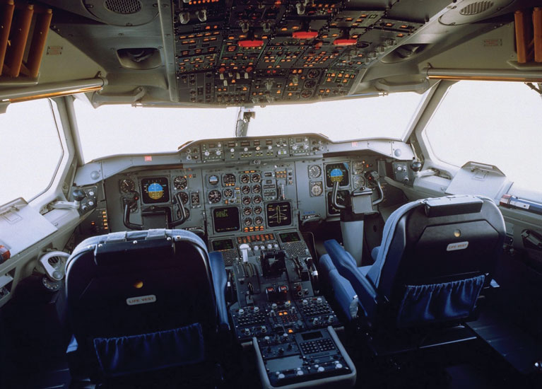 airbus 50 - 1 - a310 cockpit