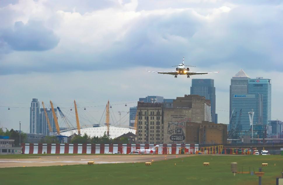 London CIty Falcon7X 2015USB49